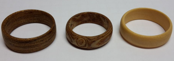Handgefertigte Holzringe